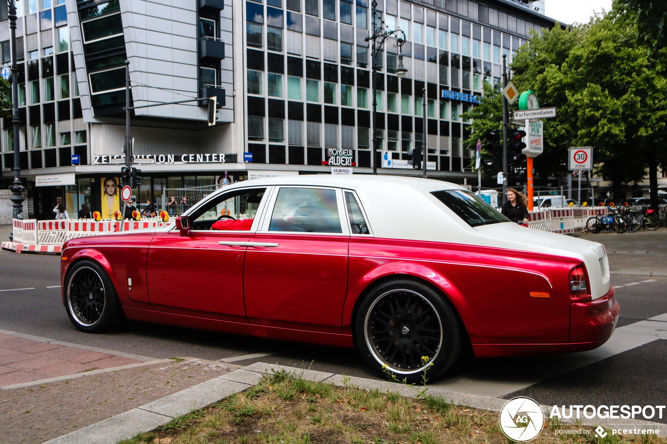 Rolls-Royce Phantom kan dienst doen als rijdend bordeel