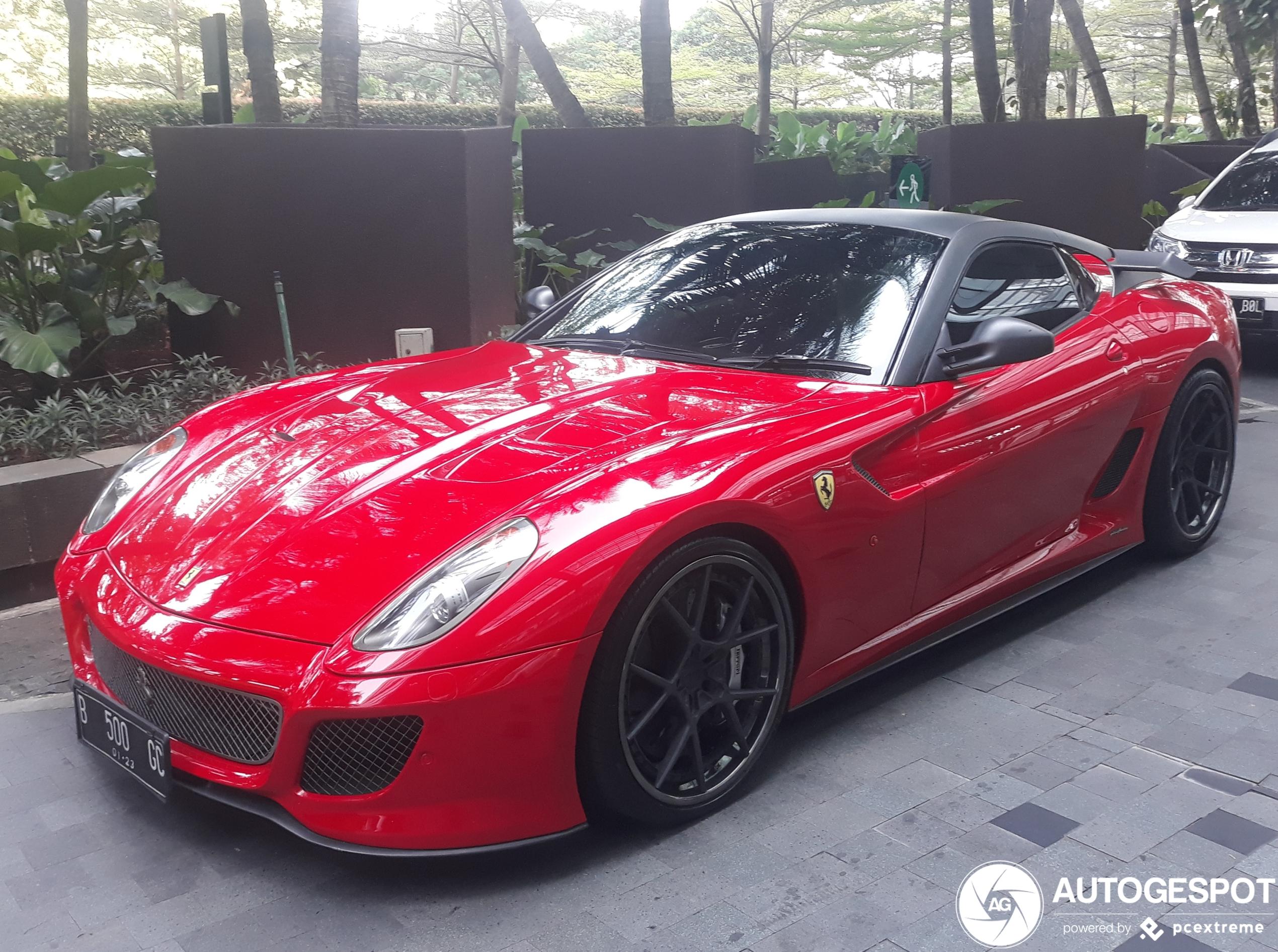 Ferrari 599 GTO wil op zijn stoerdere broer lijken