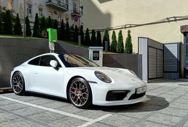 Porsche992 Carrera 4S