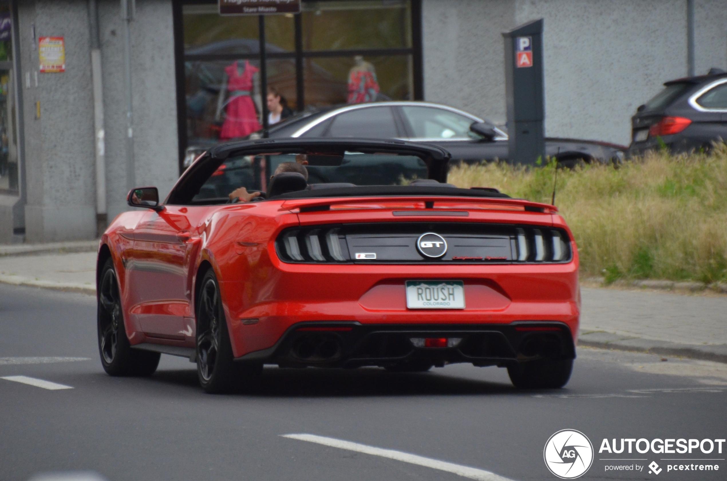 Ford Mustang GT pronkt met zijn deuren