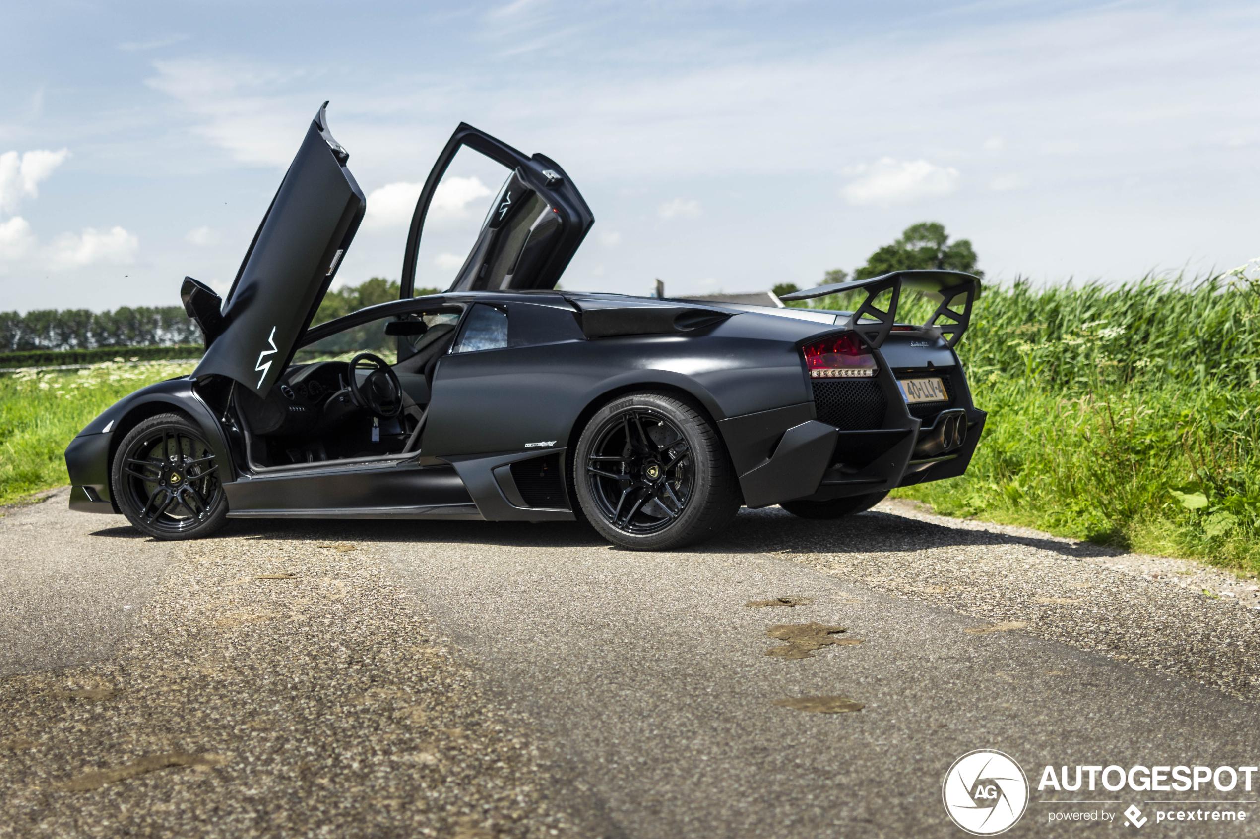 Hoezee! Deze Lamborghini is weer origineel!
