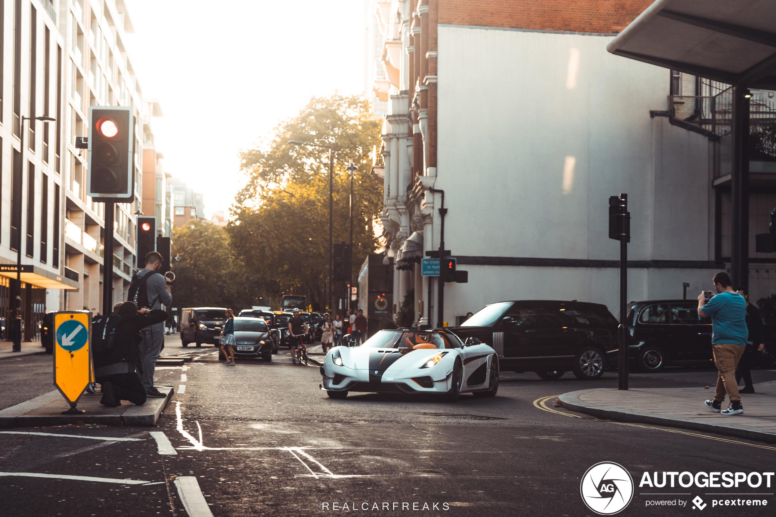 Konden we maar terug naar vorige zomer: Koenigsegg Regera in Londen