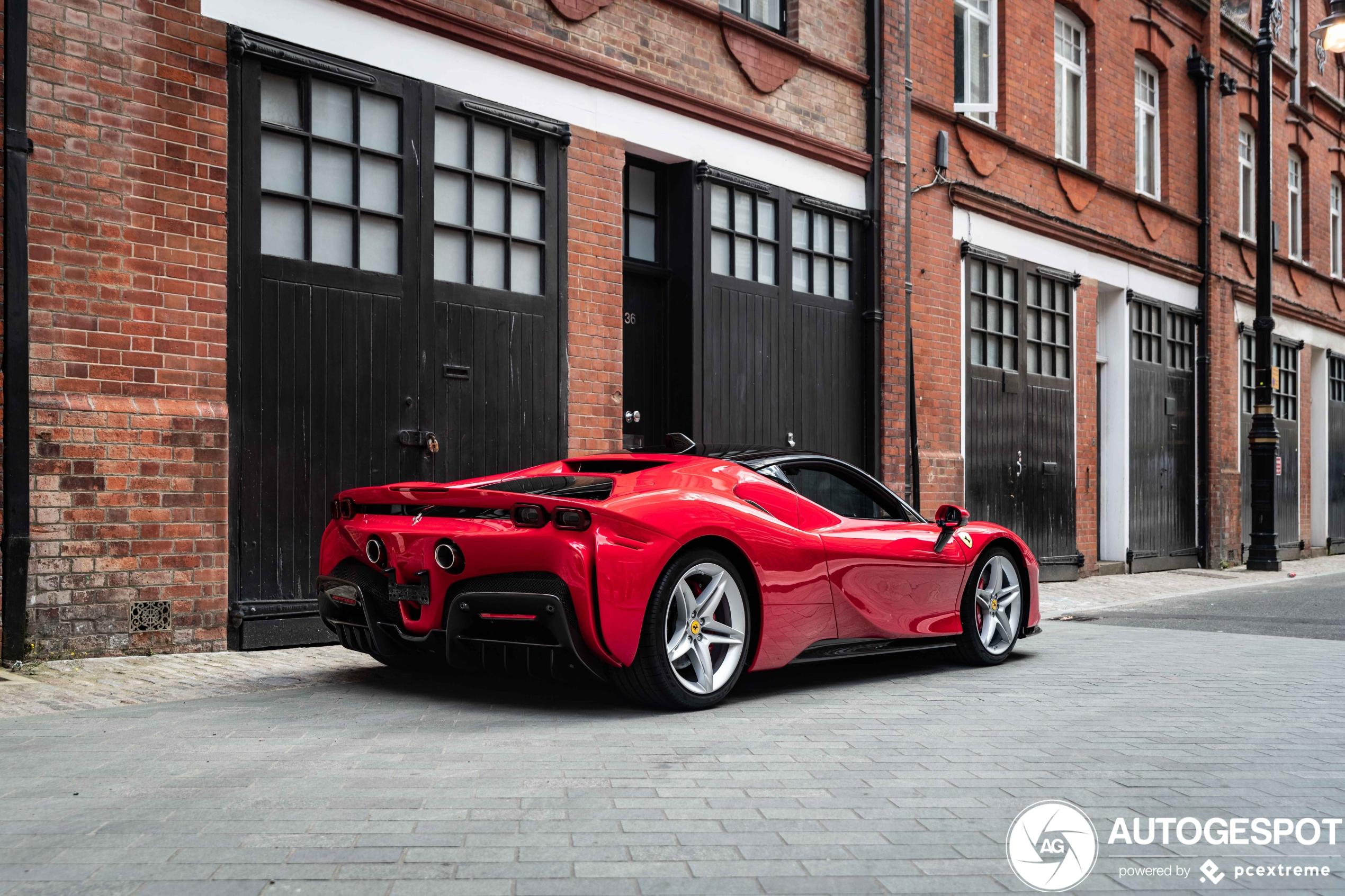 Ferrari SF90 is topspot van Londen afgelopen weekend