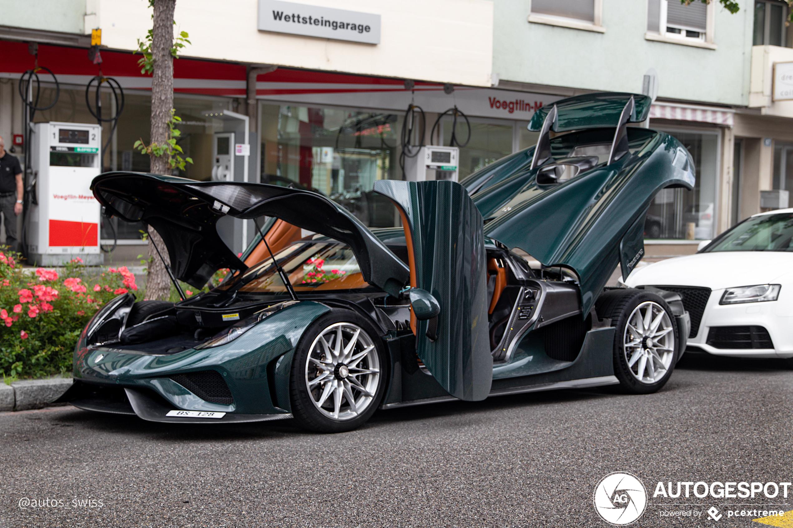 Koenigsegg Regera legt alles open en bloot in Basel