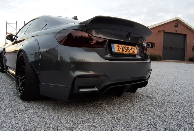 BMW M4 F82 Coupé Liberty Walk Widebody