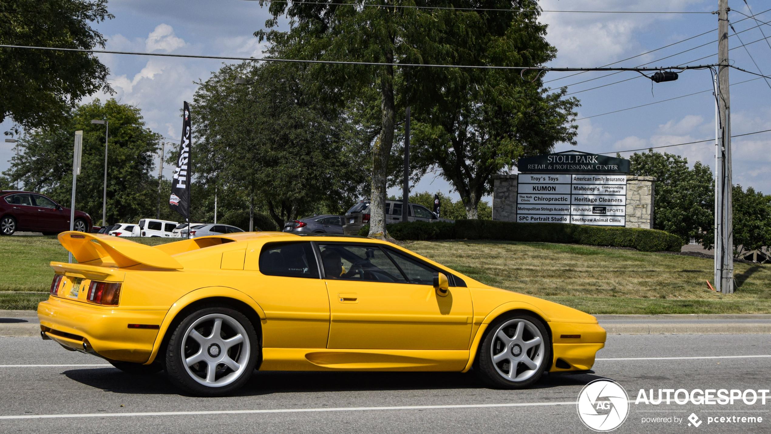 Lotus Esprit V8 SE - 1 september 2020 - Autogespot