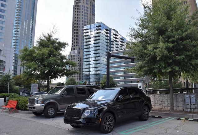 Bentley Bentayga V8 Huntsman Edition