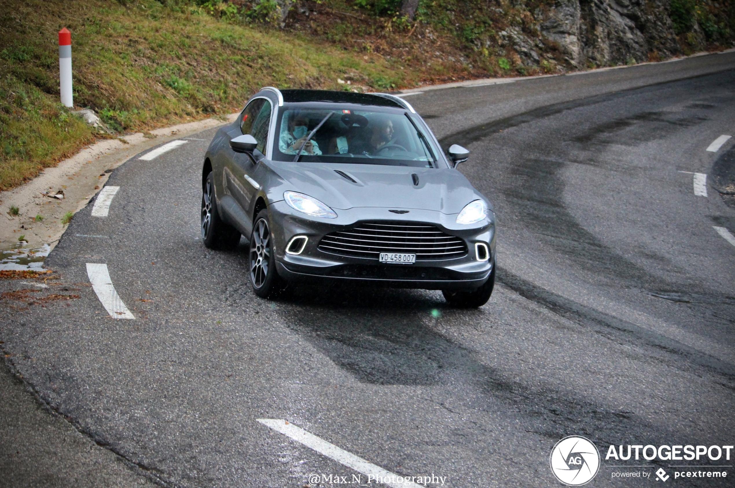 Aston Martin DBX zorgt voor lach op gezichten