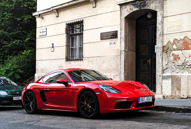 Porsche 718 Cayman S