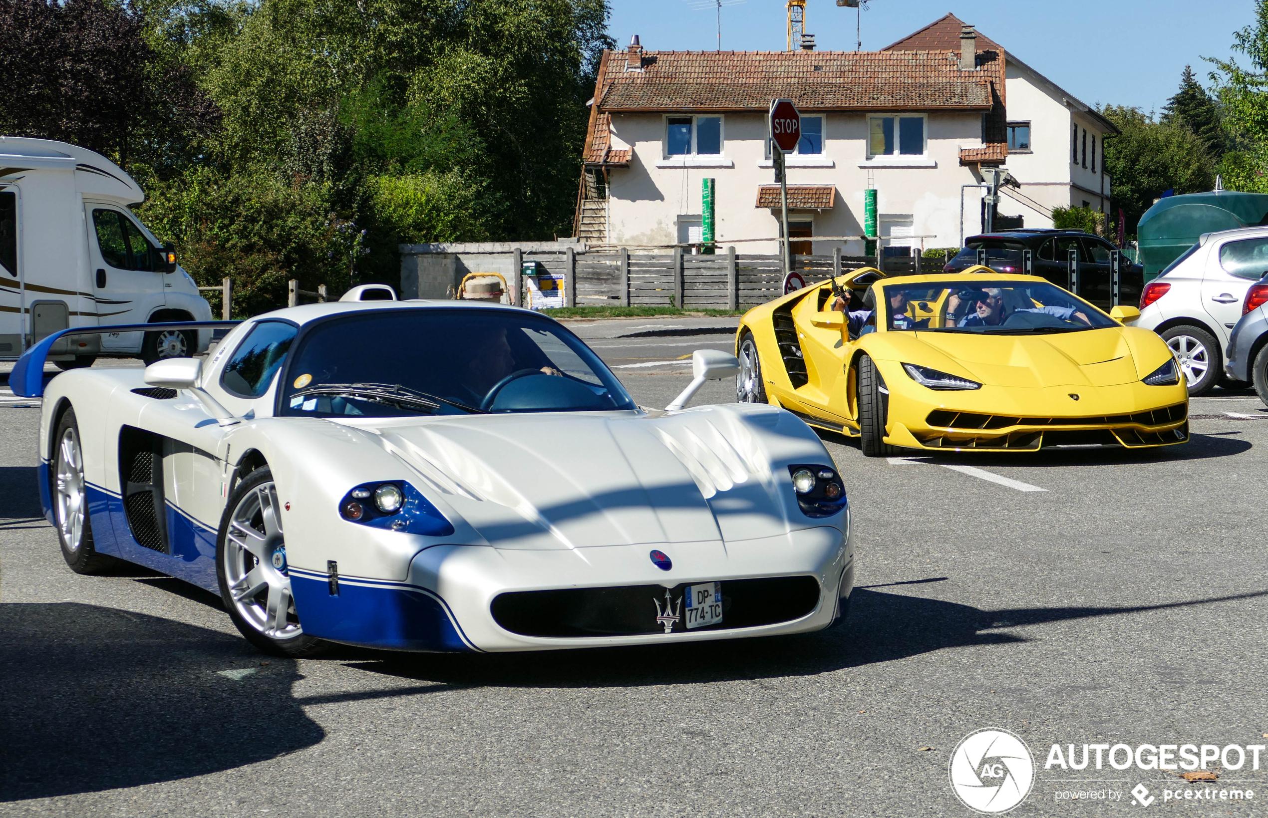 Megacombo! Maserati MC12 met Lamborghini Centenario LP770-4 Roadster