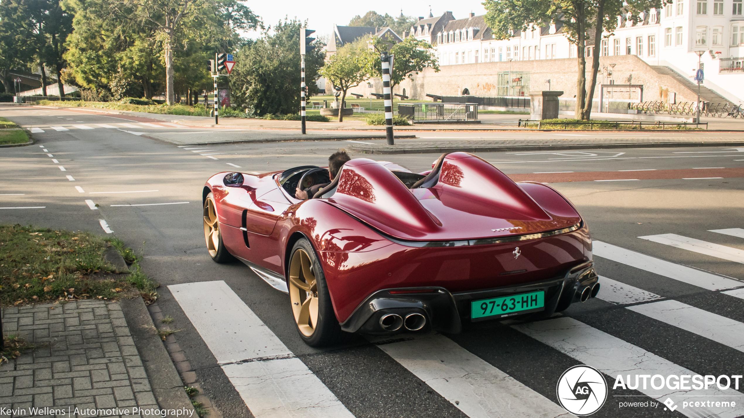 WOW! Ferrari Monza SP2 op straat in Nederland