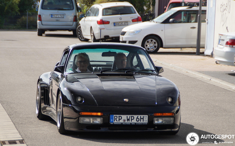 Porsche 930 Strosek Carrera Coupé