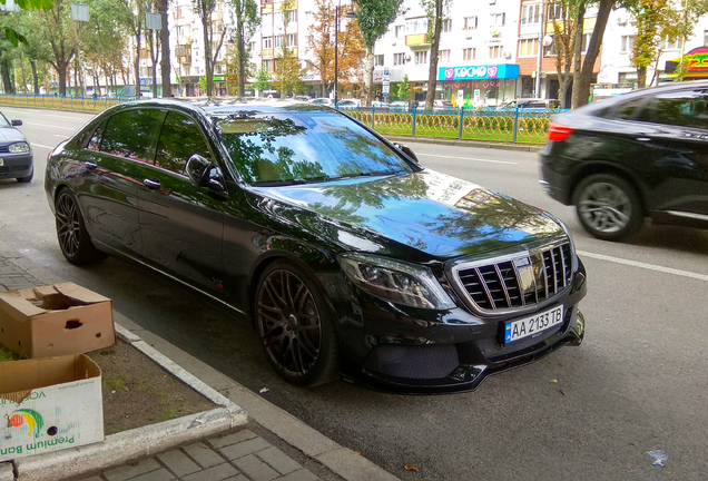 Mercedes-Maybach Brabus 900 Rocket