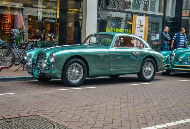 Aston MartinDB2