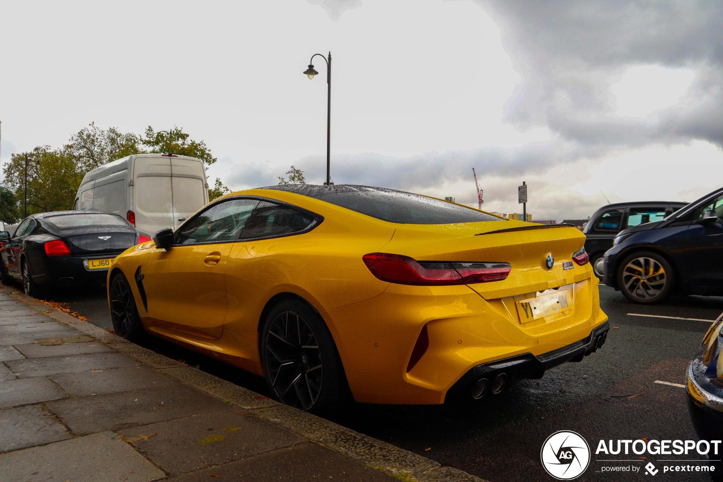 Geschikt? BMW M8 Competition in het geel