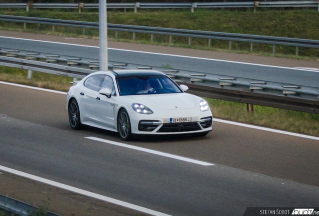 Porsche 971 Panamera Turbo S E-Hybrid Executive