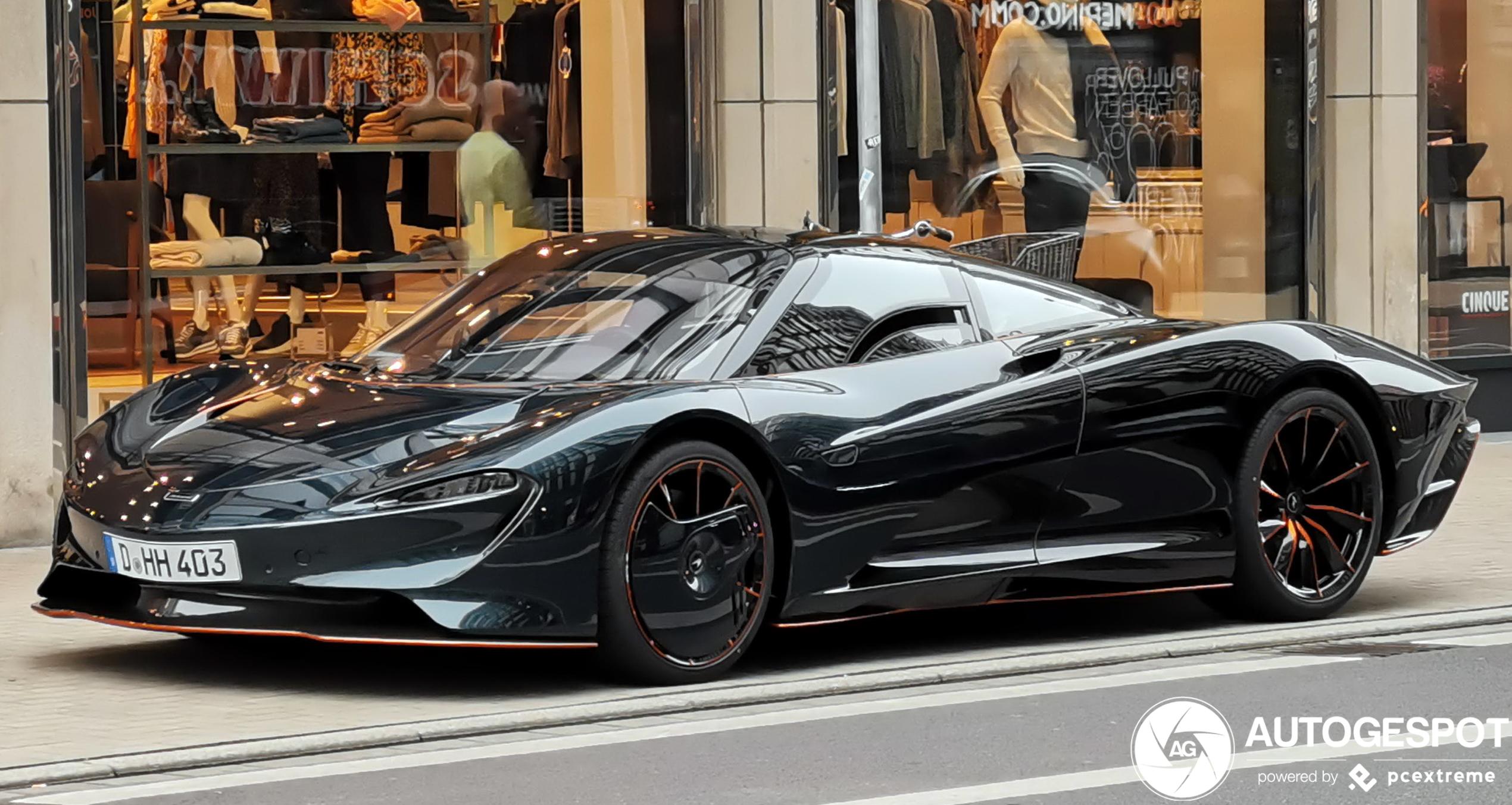 McLaren Speedtail shows up in Düsseldorf