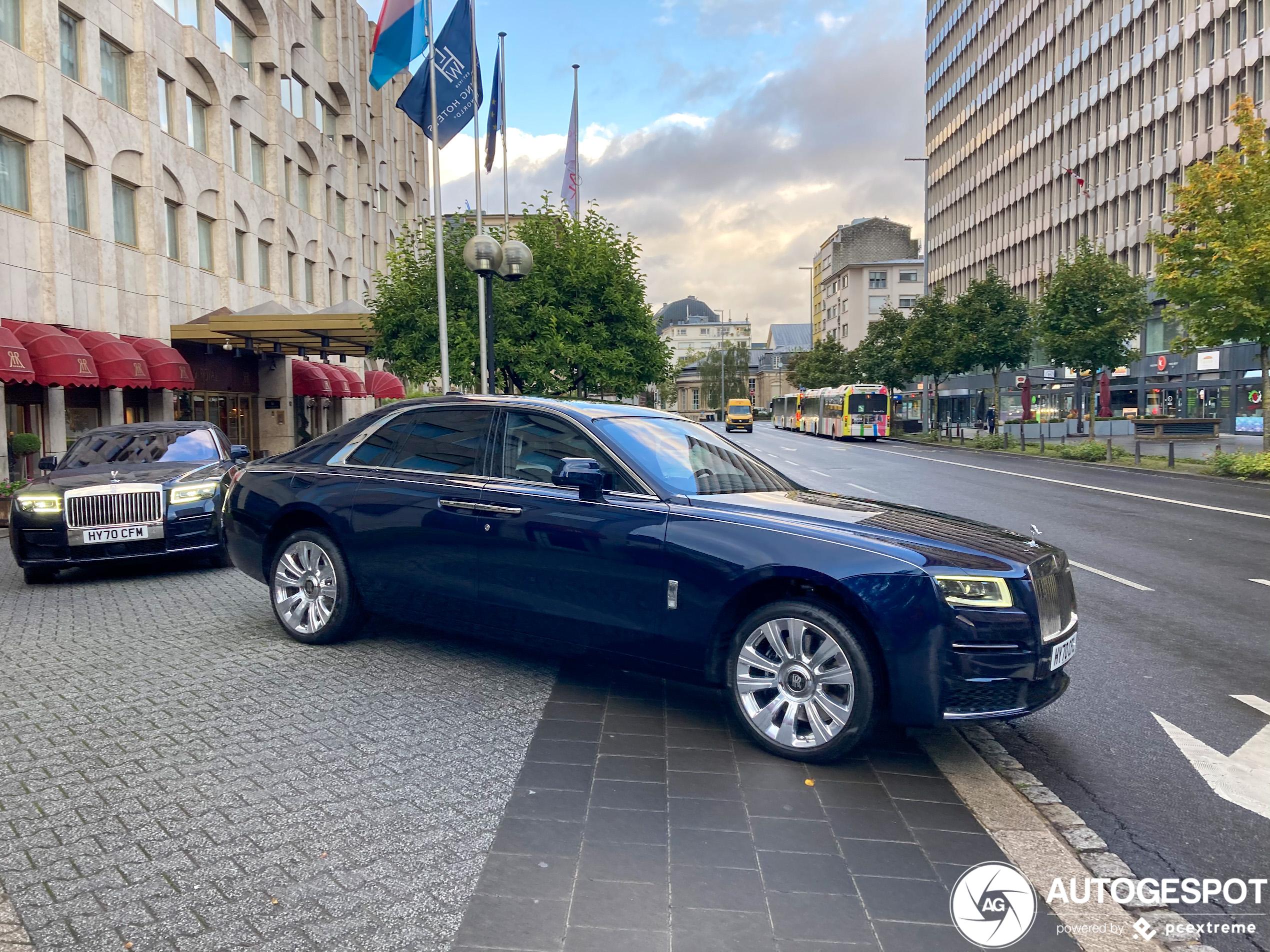 Daar is hij dan: nieuwe Rolls-Royce Ghost gespot op straat