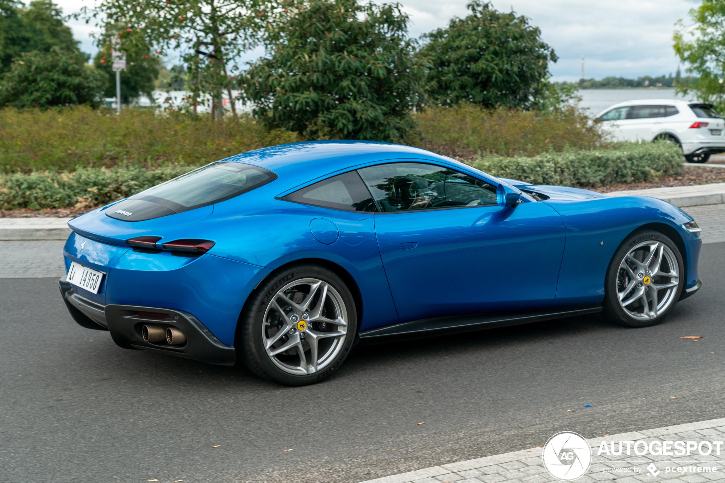 Daar is ook de Ferrari Roma!