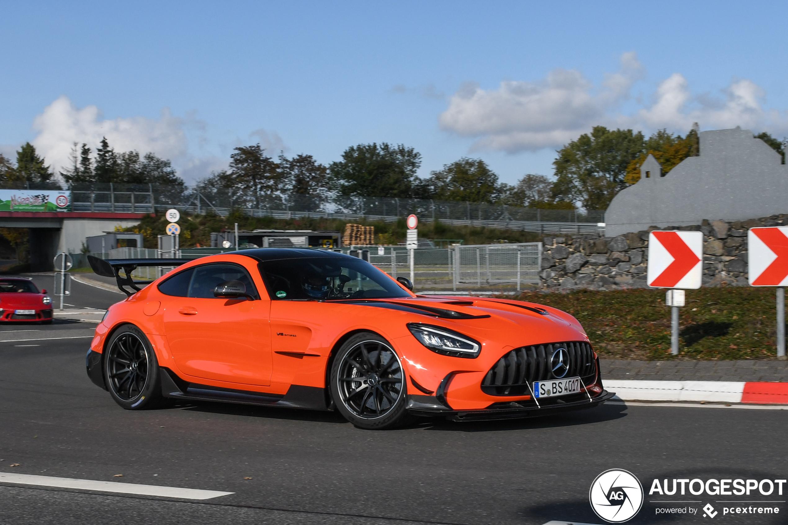 Mercedes-AMG GT Black Series draagt oranje met trots