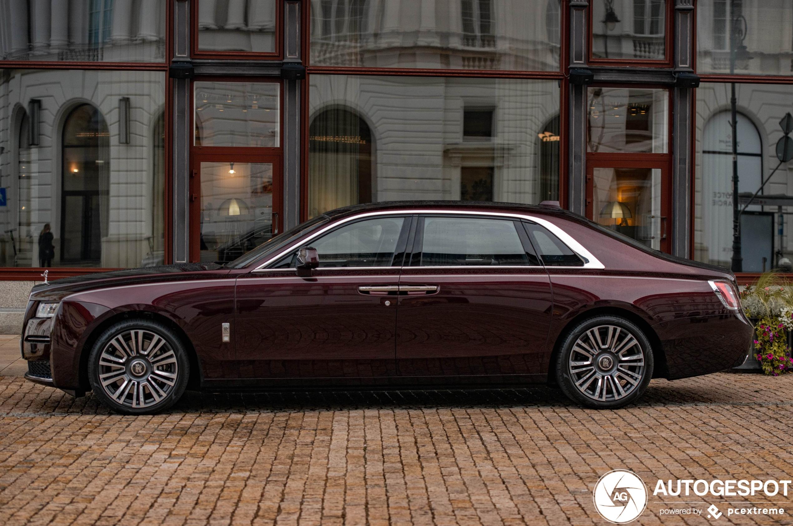 Dit is de nieuwe en verlengde Rolls-Royce Ghost