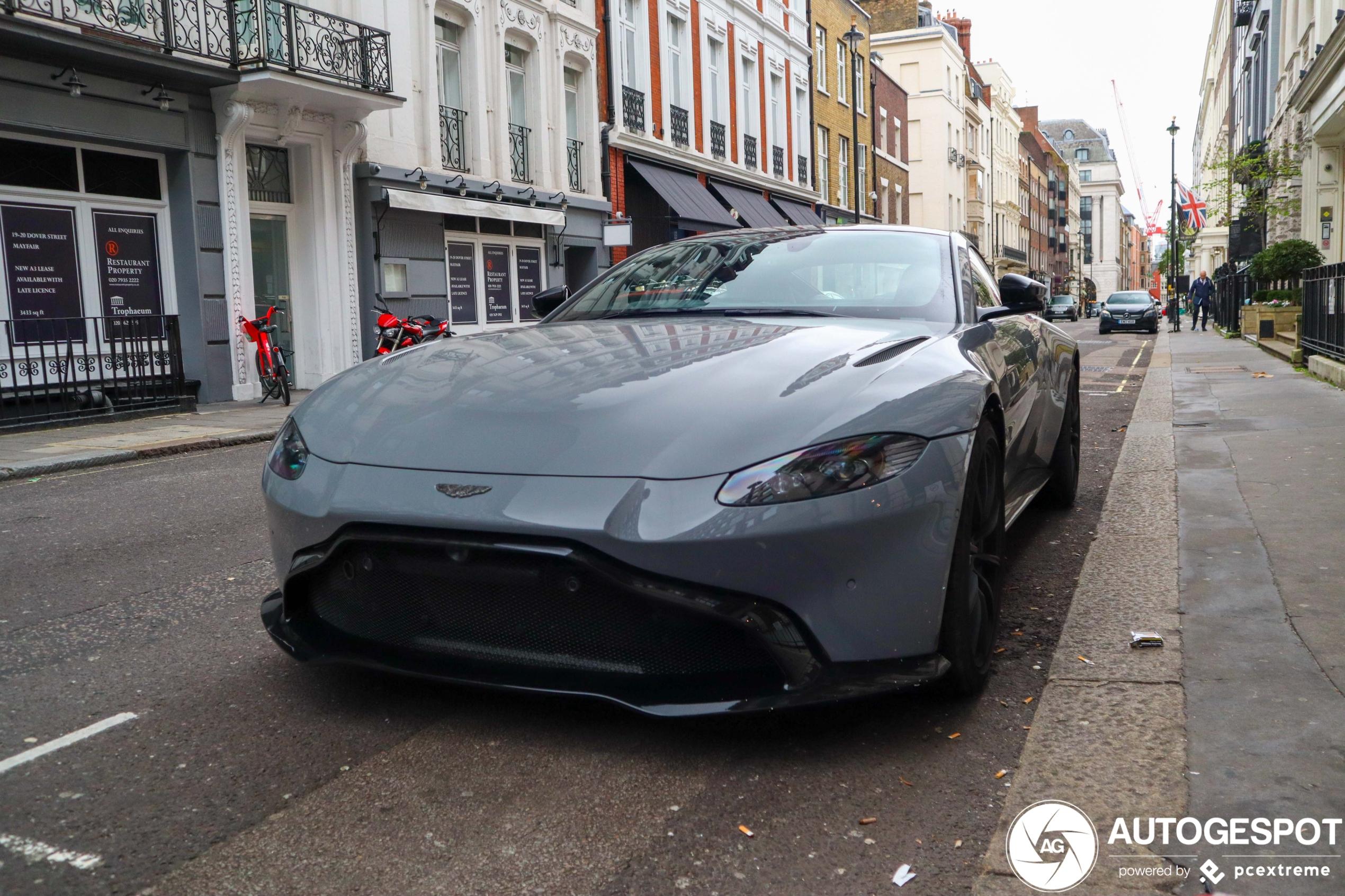 Aston Martin V8 Vantage 2018 24 Oktober 2020 Autogespot