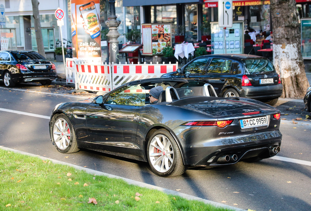 Jaguar F-TYPE R Convertible 2017