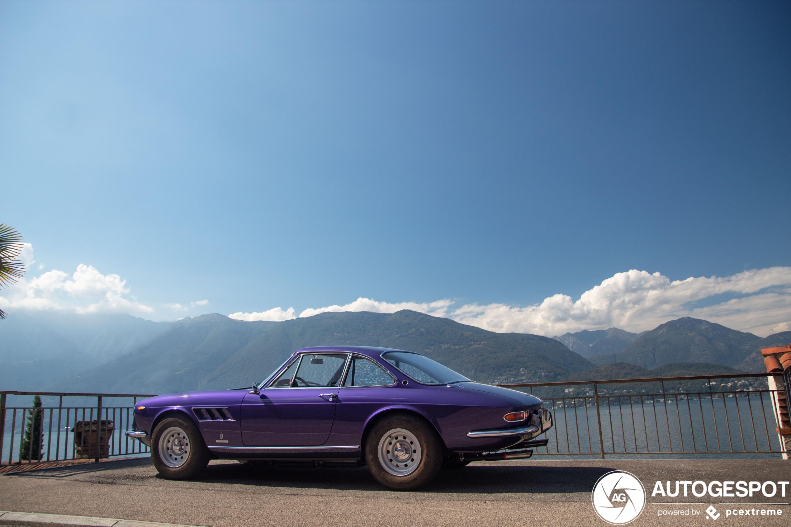 Hier kan je uren naar kijken: Ferrari 330 GTC