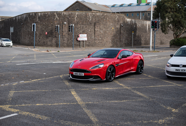 Aston Martin Vanquish S Red Arrows Edition