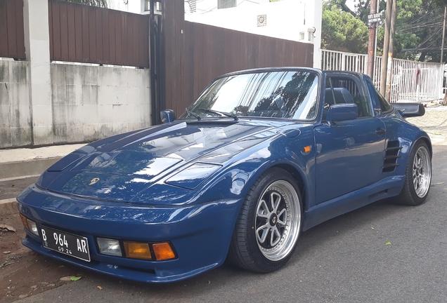 Porsche 930 Turbo Targa Flatnose