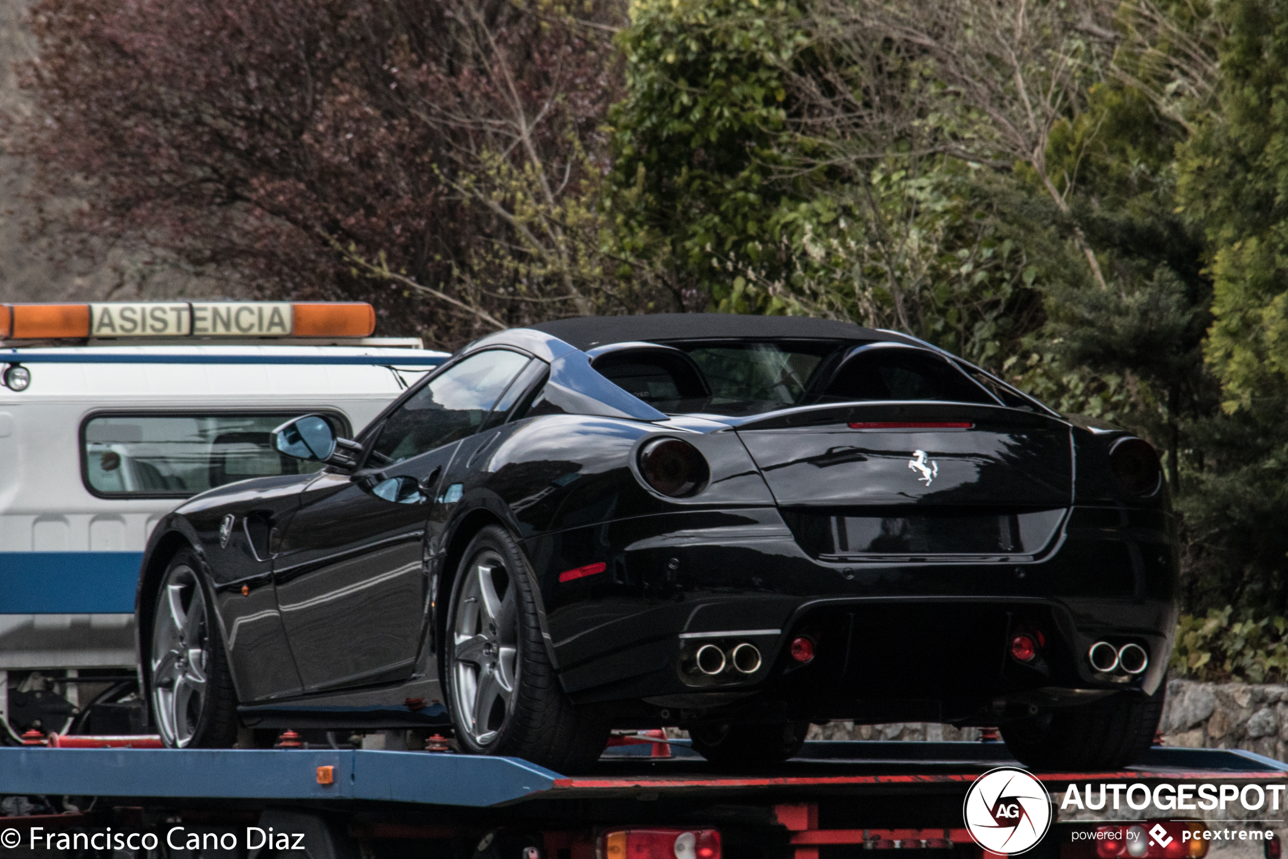 Ferrari SA Aperta laat zich rijden