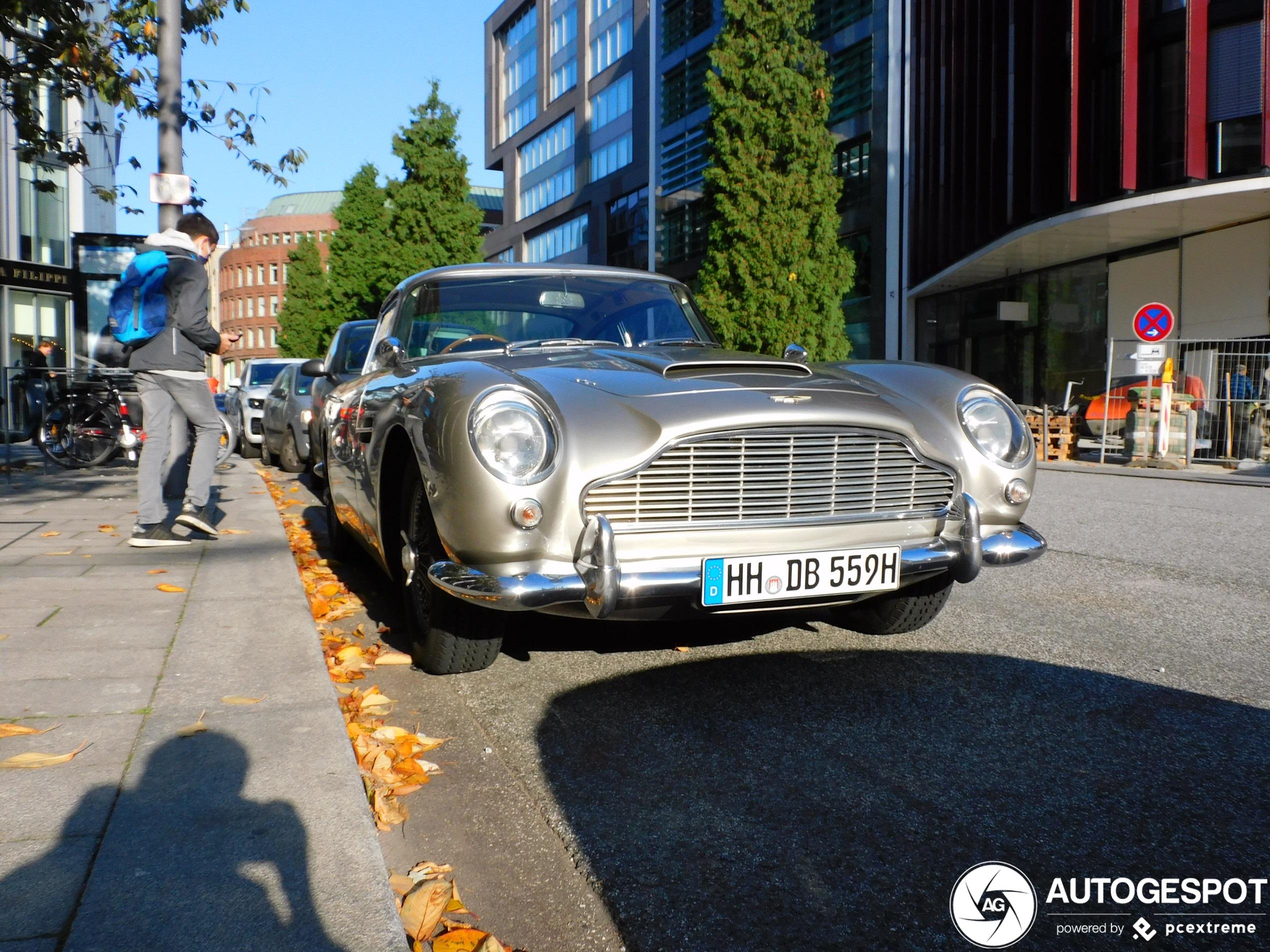 Alt aber cool: Exklusive Autos aus Casinofilmen