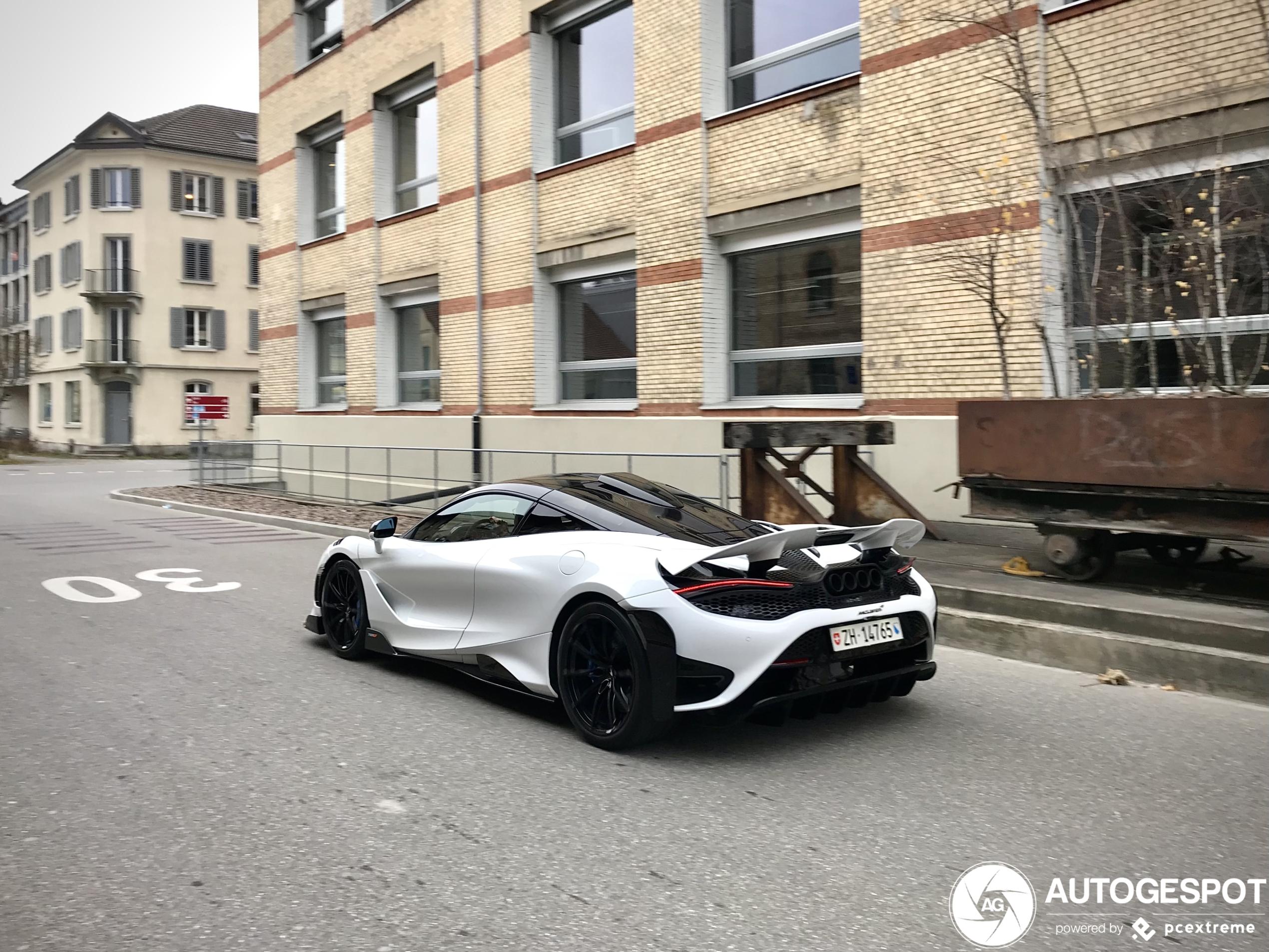 McLaren 765LT duikt ook op in Zwitserland