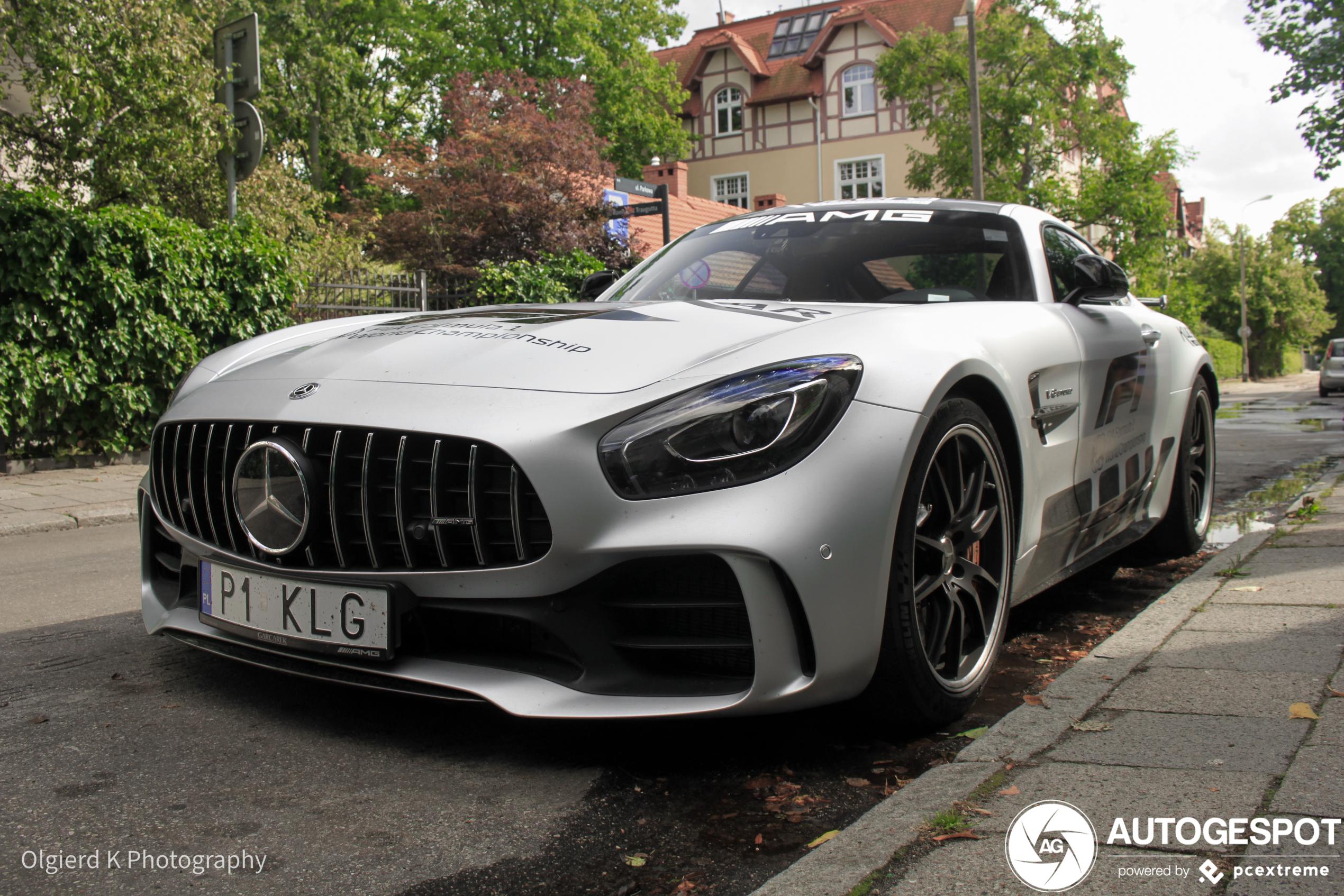 Pool brengt ode aan verdwijnende Mercedes safety car