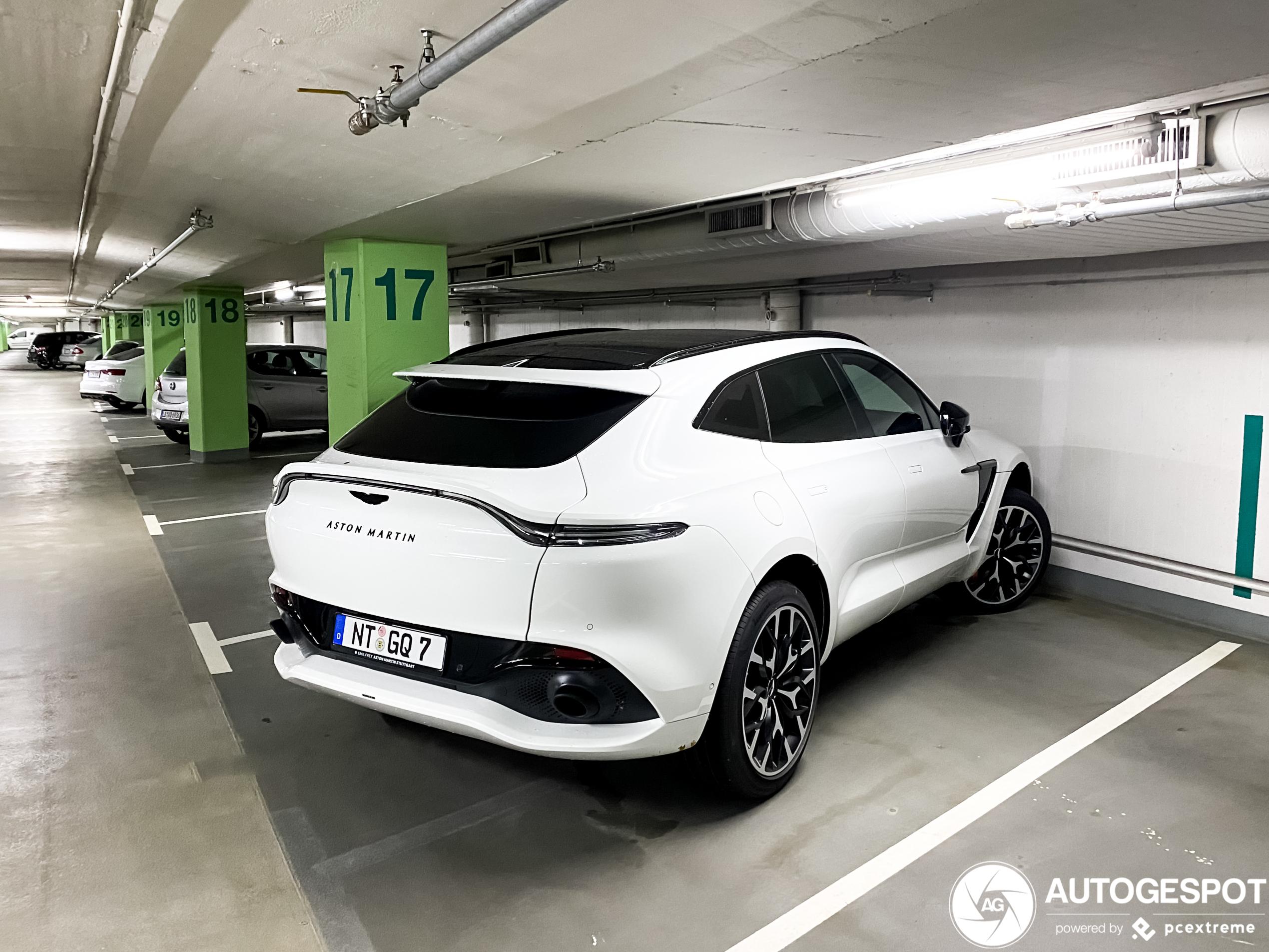 Deze Aston Martin DBX ziet er toch heerlijk uit