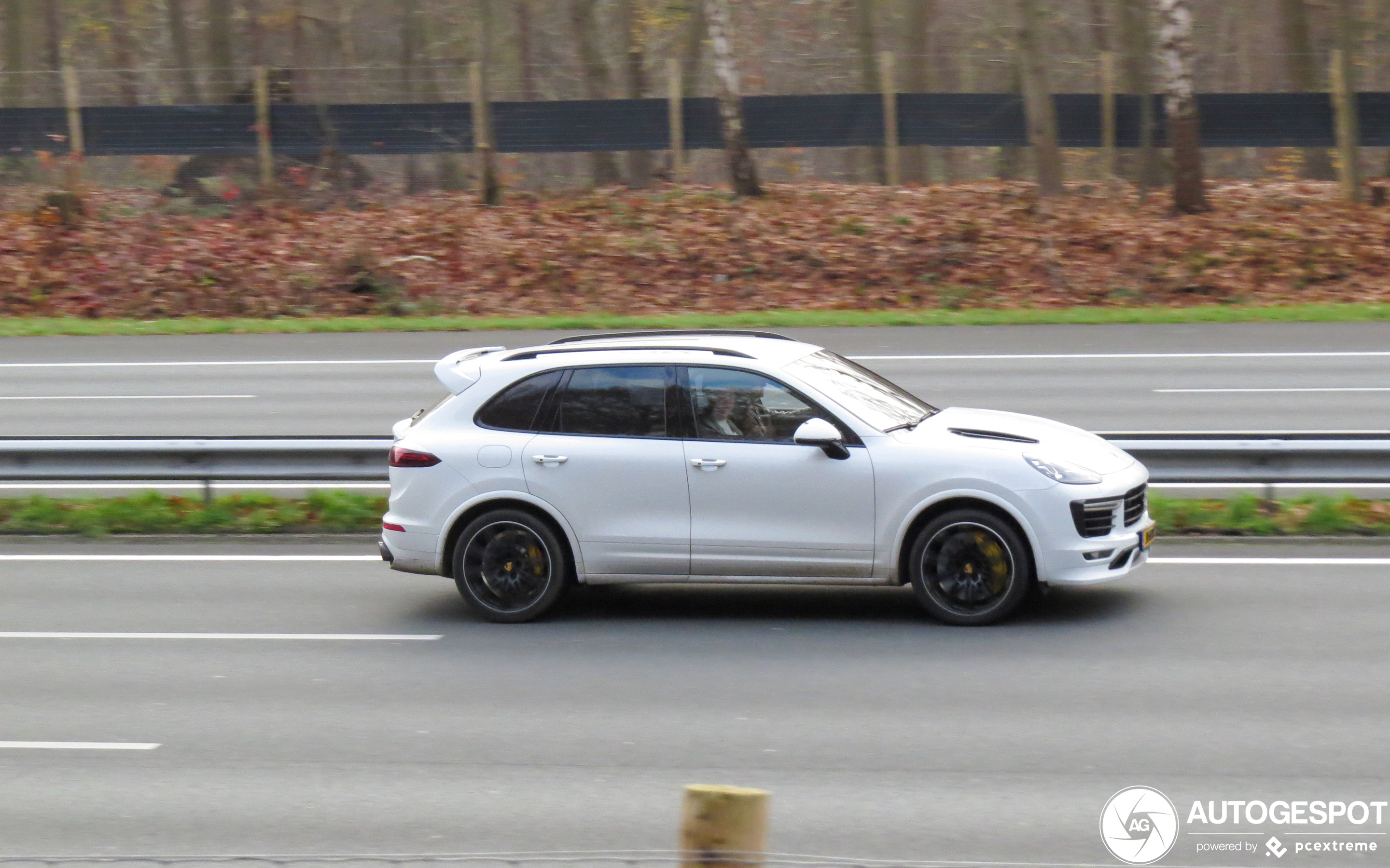 Porsche 958 Cayenne Turbo S MkII Techart