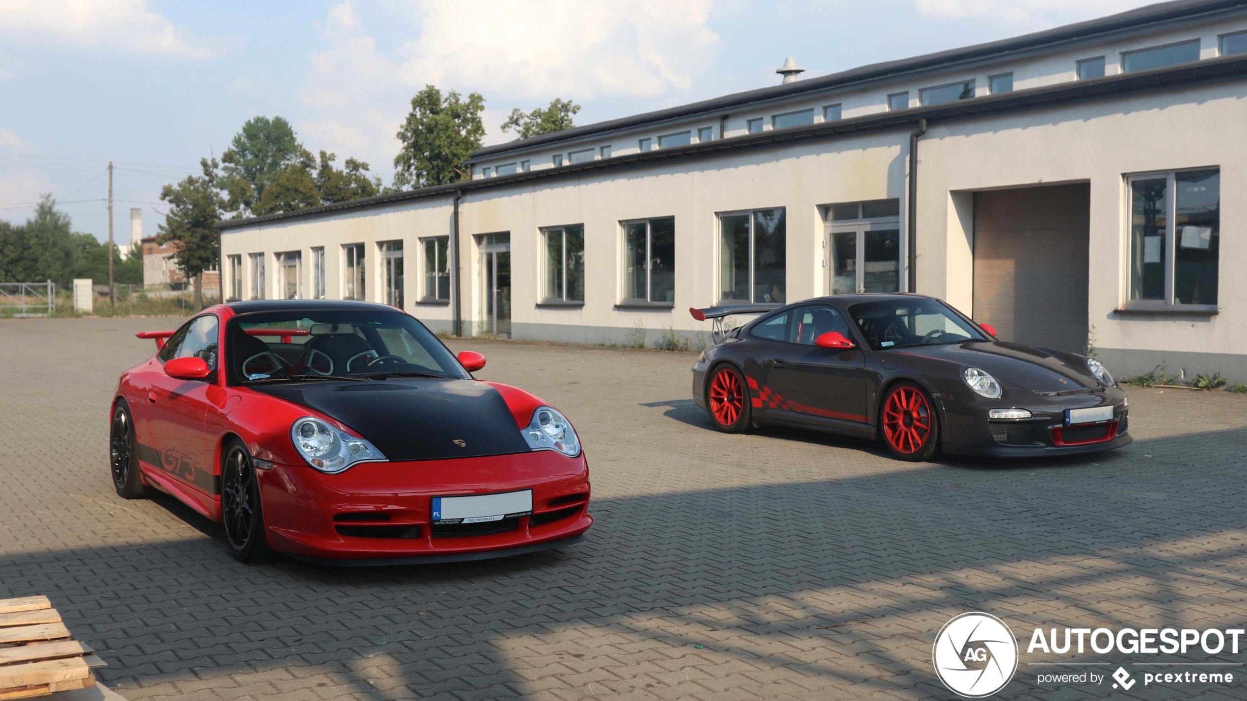 Porsche combo laat ons twee heerlijke GT3's zien