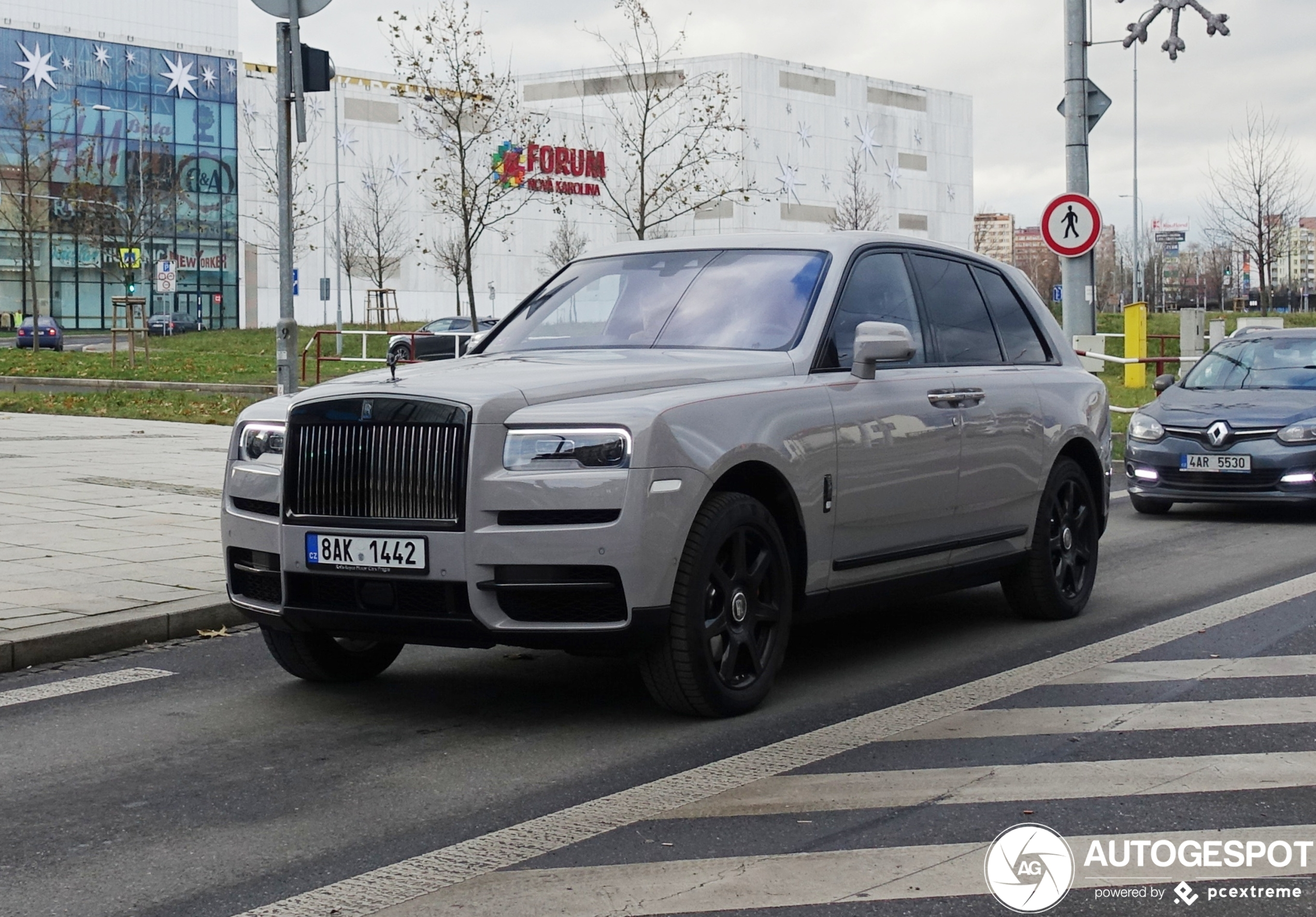 Rolls-RoyceCullinan Black Badge