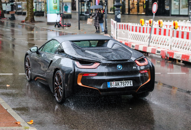 BMW i8 Roadster Ultimate Sophisto Edition