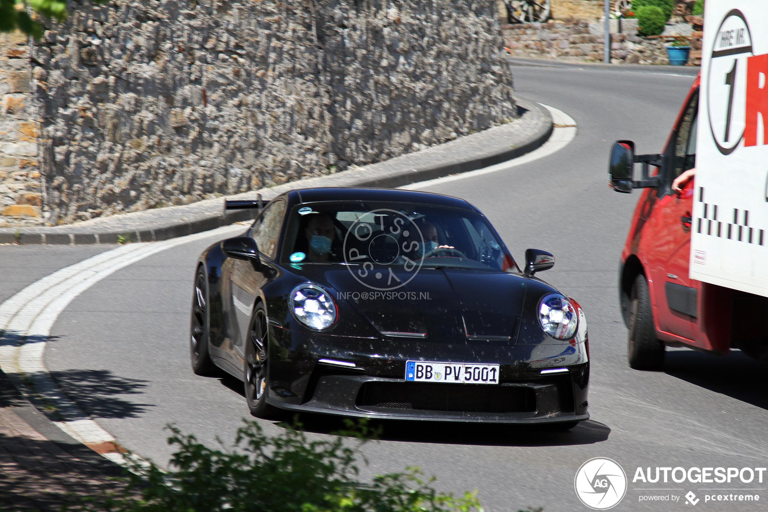 Nog een maand voor de nieuwe Porsche 992 GT3 uitkomt