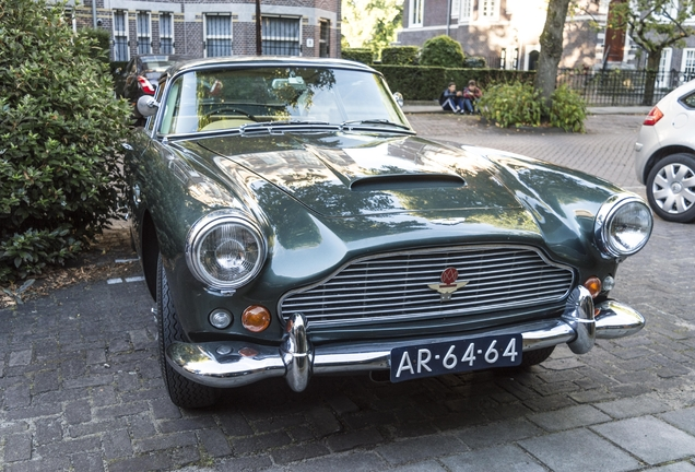 Aston Martin DB4 Series V